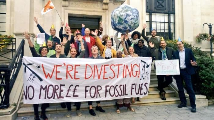 campaigners celebrate islington council decision to divest from fossil fuels