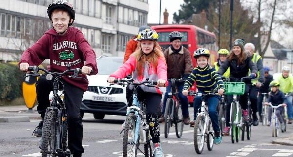 kids on bikes a105 cycle lanes