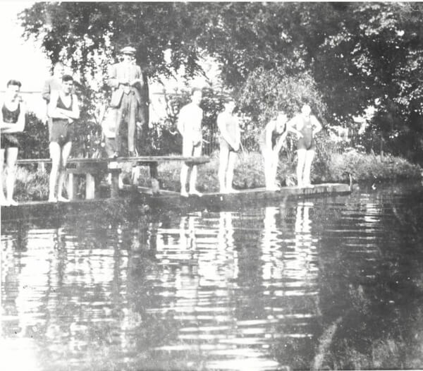 diving competition broomfield park 1930s enfield museum and archives 1
