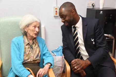 Spurs ambassador visiting care for the elderly December 2019