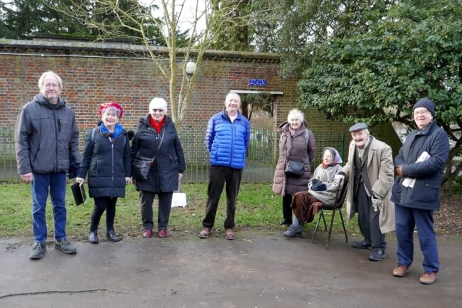 attendees at unveiling of plaque in memory of sir john spencer in broomfield park